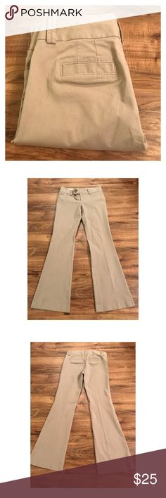 "Banana Republic Martin fit trousers 2 Banana Republic Martin fit trousers 2. Great condition. Waist 15"", rise 8"", inseam 31"". Measurements taken flat Banana Republic Pants Boot Cut & Flare"