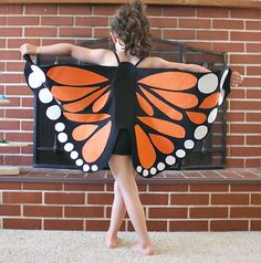 I love this DIY butterfly wings costume! Perfect for Halloween