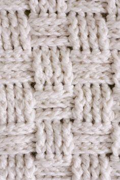 Basket Weave Crochet Baby Blanket Crochet a baby blanket using a basket weave stitch and chunky yarn. It works up SO fast and it's beautiful!Crochet a baby blanket using a basket weave stitch and chunky yarn. It works up SO fast and it's beautiful! Crochet Video, Crochet Diy, Learn To Crochet, Crochet Crafts, Crochet Hooks, Crochet Projects, Crochet Tutorials, Stitch Patterns, Knitting Patterns