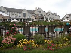 Poolside @Inn By The Sea, Crescent Beach!