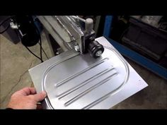 Metal Shaping with Lazze: Rolling a Bead with a Wire Edge Sheet Metal Shop, Sheet Metal Art, Sheet Metal Tools, Welding Tools, Welding Projects, English Wheel, Sheet Metal Fabrication, Metal Shaping, Metal Bending