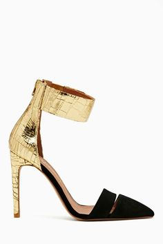 Gorgeous Party Shoes with a Pointy-Toe & ankle strap! Gold & Black