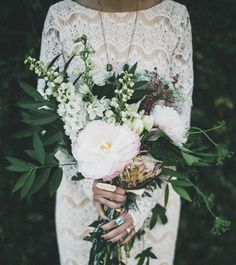 Bohemian Wedding Bouquets That Are Totally Chic ❤︎ Wedding planning ideas & inspiration. Wedding dresses, decor, and lots more. Mod Wedding, Wedding Bells, Floral Wedding, Chic Wedding, Trendy Wedding, Botanical Wedding, Wedding Details, Wedding Colors, Wedding Styles