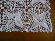 Vista dos quadrados de crochet da toalha de mesa Christmas Crochet Blanket, Crochet Tablecloth, Crochet Diagram, Doilies, Decoration, Crochet Top, Paper Crafts, Elsa, Fabric