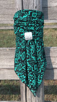 MT Wild Rags are handcrafted in the heart of Montana on a working cattle ranch! With prints, solids and endless custom options, we have the largest selection of Wild Rags available! Cowgirl Tuff, Cowgirl Chic, Cowgirl Style, Western Style, Cowgirl Outfits, Western Outfits, Western Wear, Western Dresses, Country Outfits