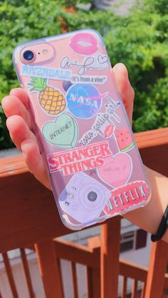 DIY phone case - Cellphone Ideas and Tips World - Handytasche Cute Cases, Cute Phone Cases, Iphone Phone Cases, Phone Covers, Phone Cover Diy, Dyi Phone Case, Phone Diys, Homemade Phone Cases, Cellphone Case