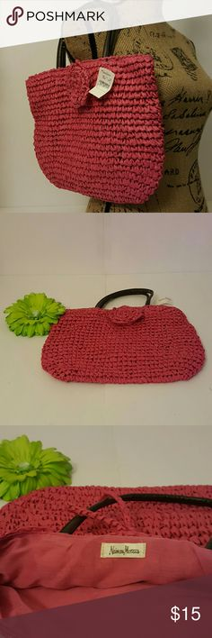 NWT, Nieman Marcus straw bag with leather handle. Pink straw bag. Excellent condition! Neiman Marcus Bags Mini Bags