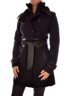 Atletisch figuur : kies  een jas met een duidelijke taillelijn die je rechte figuur wat vrouwelijker maakt. Opgelet : als je klein bent moet de zoomlijn boven de knie eindigen. De stof van de jas mag wat steviger zijn.