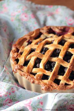 blueberry pie ready to eat