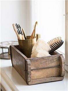 Vintage Hardwood Brick Mould with Makers Mark, Wooden Storage box, display piece. Bathroom Storage Boxes, Wooden Storage Boxes, Vintage Storage, Wooden Jewelry Boxes, Wood Boxes, Box Storage, Home Deco, Brick Molding, Old Bricks