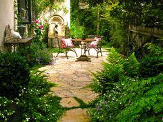 Biddlestone Cottage Patio www.lindafloyd.com