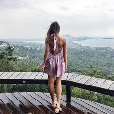 Розовое платье с открытой спиной, которое скрасит твой отпуск, снова в наличии.🌸