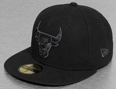 Chicago Bulls Basic Black 59Fifty Fitted Baseball Cap by NEW ERA x NBA