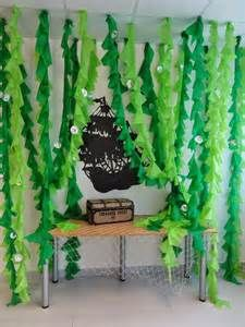 Stunning Under-The-Sea Decorating Ideas Kids Would Love The Charming Classroom: Ocean Classroom Theme Under The Sea Theme, Under The Sea Party, Fete Audrey, Anniversaire Harry Potter, Ocean Themes, Ocean Theme Decorations, Under The Sea Decorations, Diy Underwater Decorations, Camping Decorations