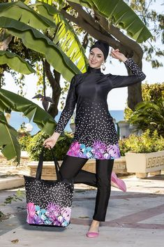 The Modest Swimsuit has got 3 pieces as bone, top, and loose legging. Pool chlorine and Sea water resistant, UPF It quickly dries. Islamic Swimwear, Pool Chlorine, Modest Swimsuits, Hijab Outfit, Elegant, Stylish, Lady, Outfits, Clothes