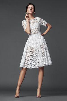 Dolce & Gabbana Fall 2014 Collection. White Macrame Lace Dress.Ideia para fazer um vestido de crochet