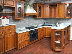 Как оформить кухонный угол, чтобы не потерять ни сантиметра полезной площади? Воспользуйтесь советами из нашей статьи.