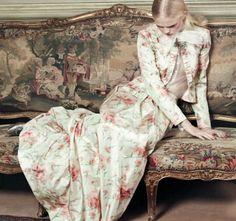 Anne-Sophie Monrad by Marianna Sanvito for Elle Russia (April Valentino Haute Couture dress. Color Photography, Fashion Photography, Anne Sophie, Taurus Woman, Haute Couture Dresses, Glamour, Elle Magazine, Prom Queens, Poses