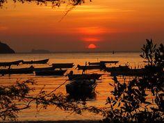 #Colombiaenmadrid Puesta de sol de película en Santa Marta Colombia P6012855 by Vagamundos.net/Carlos Olmo, via Flickr