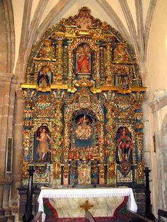 Iglesias, capillas y retablos. | Castropol
