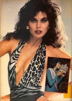 Miss UNIverso 1986 de venezuela Bárbara Palacios Teyde, es una reina de belleza, empresaria y conferencista venezolana.  Nacida en Madrid, España, el 9 de diciembre de 1963, recibió la corona del Miss Venezuela en la edición de 1986, realizada en el Teatro Municipal de la ciudad de Caracas. Recibió la corona de manos de Silvia Martínez, Miss Venezuela 1985.