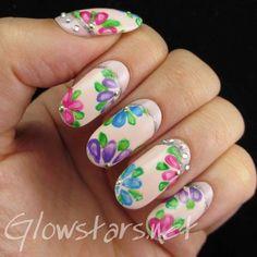 The Digit-al Dozen does florals: Japanese style - #japanesenails #nailart #nails #floralnails #glowstars - bellashoot.com