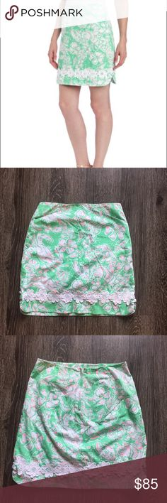 Lilly Pulitzer corrie skirt beach bash Very gently used green Corrie skirt in the print beach bash. There is a hidden zipper in the back. The print features crabs, shells, and flowers. The bottom also has a floral appliqué. Double lined and has pockets! Open to offers Lilly Pulitzer Skirts