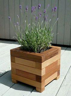 New backyard diy garden planter boxes 67 ideas Diy Wooden Planters, Garden Planters, Wooden Diy, Planter Ideas, Stone Planters, Basket Planters, Patio Plants, Outdoor Planters, Balcony Garden