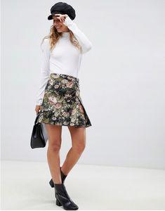 spódnica damska, moda damska, koszulka, sandałki, moda online, wiosenna moda Latest Trends, Asos, Mini Skirts, Floral, Shopping, Fashion, Moda, Fashion Styles, Flowers