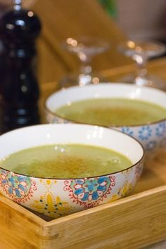 Ah, la soupe à l'oseille… Ça rentre une fois de plus dans les recettes qui me régalaient étant petite ! Ma…