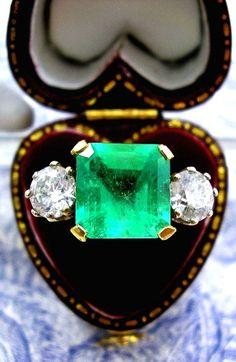 Art Deco Colombian Emerald Ring Diamond 18k Gold 5.25ct.