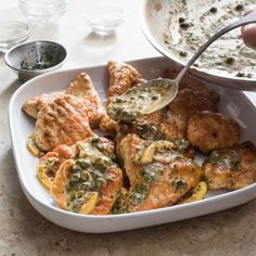 CHICKEN PICCATA For a sauce with deep citrus flavor, don't waste any part of the lemon. Chicken Piccata, Chicken Cutlets, Chicken Breasts, Lemon Chicken, Roasted Chicken, Italian Chicken, Best Chicken Ever, Donut Toppings, Cooking Courses