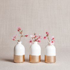 White + Gold Minimalist Bud Vases // Set of Three by honeycombstudio on Etsy https://www.etsy.com/listing/258142843/white-gold-minimalist-bud-vases-set-of