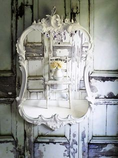 O R N A T E Oval White Mirror Shabby Chic Cottage Chic Farmhouse--for cottage bath!