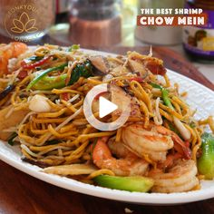 The BEST and easy shrimp chow mein recipe you will find online! The BEST and easy shrimp chow mein recipe you will find online! Shrimp Recipes For Dinner, Shrimp Recipes Easy, Shrimp Lo Mein Recipe Easy, Easy Thai Recipes, Easy Japanese Recipes, Vietnamese Recipes, Seafood Recipes, Vegetarian Recipes, Cooking Recipes
