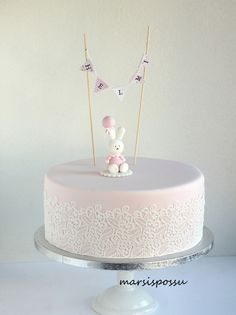 Helmi ristiäiskakku Dessert Recipes, Desserts, Yummy Cakes, Christening, Cute Babies, Bakery, Food And Drink, Wedding Inspiration, Easter