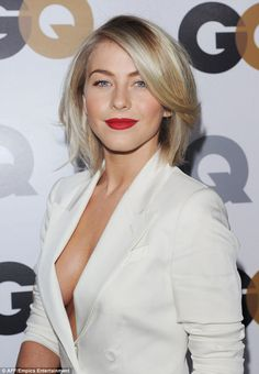JULIANNE HOUGH PAIRES UP THE PERFECT BOB HAIRCUT. - Hollywood Celebrity Hair