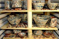 Earthenware pots by Mike Levy in kiln, 2005.  www.castorandpollux.co.uk