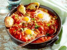 Unser beliebtes Rezept für Tomateneintopf mit Ei und mehr als 55.000 weitere kostenlose Rezepte auf LECKER.de.