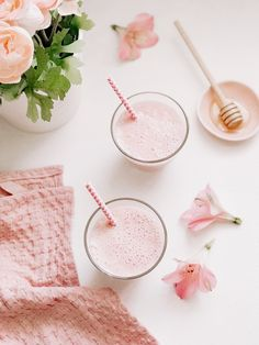 Excellent Pictures Best Photographs Healthy Strawberry Milkshake Smoothie Concepts Strawberry an. Strategies Strawberry and Blood Blueberry Smoothie Recipes Many common smoothie recipes have something in acco Avocado Smoothie, Smoothie Menu, Smoothie Recipes, Smoothie Blender, Strawberry Blueberry Smoothie, Strawberry Milkshake, Healthy Milkshake, Healthy Drinks, Oreo