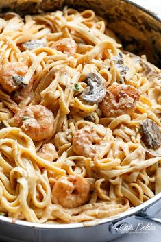 Creamy Shrimp Mushroom Linguine!Pasta, shrimp in a creamy low fat sauce without losing the creamy flavour? Of course! You won't miss the heavy cream! #creamyshrimpscampirecipes
