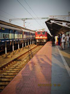 Amanda Fernandez Photography ©  #amandafernandezphotography #India #Indianrailways #trainstation
