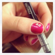 valentine's day nails. xo. Seems easy enough