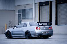 Nissan Skyline GTR R34 with Nismo Z-TUNE bidykit