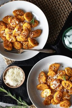 This butternut squash gnocchi recipe incorporates butternut squash puree, nutmeg, garlic, rosemary and parmesan cheese to create the ultimate fall recipe meets comfort food. Whether you're looking to eat this butternut squash recipe as a cozy fall dinner recipe or pack it for lunch, it's a great choice for a pasta recipe. #pastarecipes #fallrecipes #gnocchirecipes #fallrecipes #butternutsquash #butternutsquashrecipes #italianrecipes