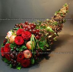 Horn of Plenty Fall Arrangements, Beautiful Flower Arrangements, Beautiful Flowers, Deco Floral, Arte Floral, Floral Design, Fall Decor, Holiday Decor, Thanksgiving Centerpieces