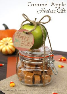 Come see 7 fall hostess gift ideas for your upcoming fall harvest party, including this simple idea to make a caramel apple hostess gift.