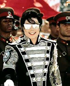 Michael Jackson Bad Album, Michael Jackson Photoshoot, Michael Jackson Wallpaper, Ariana Grande Songs, Michael Jackson Dangerous, Mj Dangerous, Mike Jackson, King Of Music, Guy Pictures