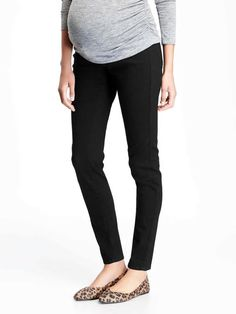 "Old Navy Maternity Jeans 4 NEW NWT Full Panel Rockstar Pants Skinny Leg BLACK 4R #OldNavy #SkinnyJeans BRAND NEW pair of maternity jeans by OLD NAVY, size 4 with a regular inseam from the Fall of 2016 line. They are ""Rockstar"" skinny leg style with an interior panel so these look like normal jeans when you wear them but give you full support  #Maternity #Pregnancy"