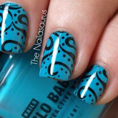Blue nails with black dots and swirls Nail Design - DIY NAIL ART DESIGNS all I care about is getting to beautiful shine on me Nail Manicure, Diy Nails, Manicure Ideas, Nail Polish, Pedicure, Nail Ideas, Sharpie Nails, Sharpie Art, Shellac Nails
